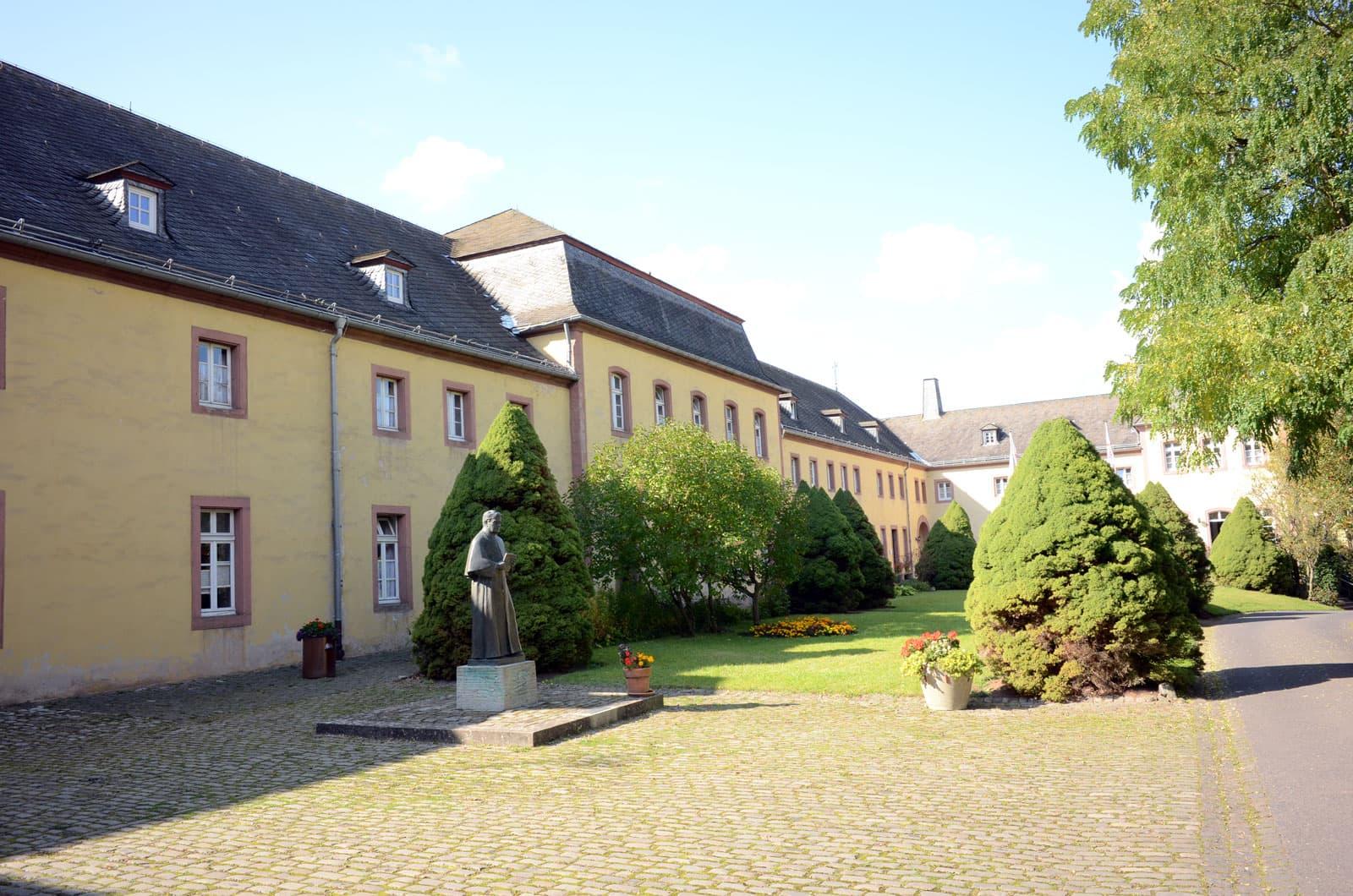Innenhof-Kloster Steinfeld