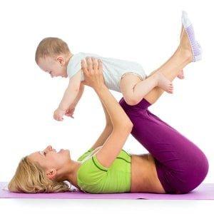 Yoga-Mutter-Baby